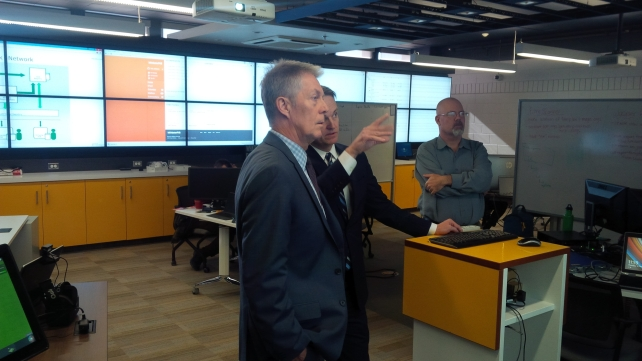 Hamilton Mayor and Mohawk grad Fred Eisenberger gets an overview from Chief Innovation Officer Ted Scott on our applied research work on mobile and electronic health solutions in Mohawk's mHealth & eHealth Development and Innovation Centre.